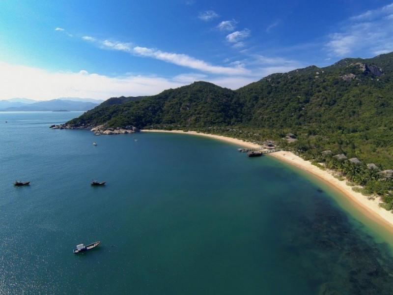 Ninh Van Bay boasts an extraordinary beauty of nature