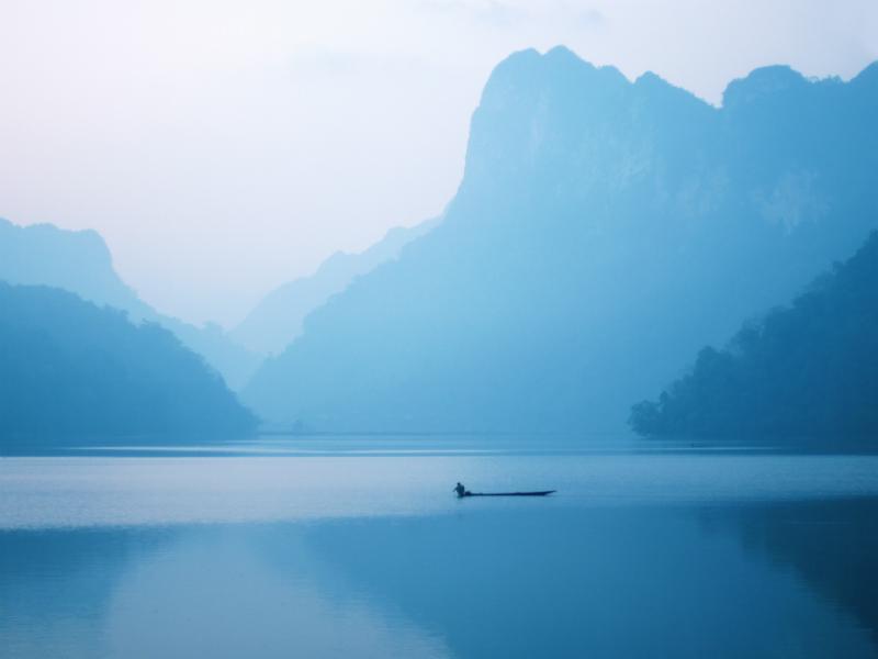 ItsImmense Lake Is Mesmerizing