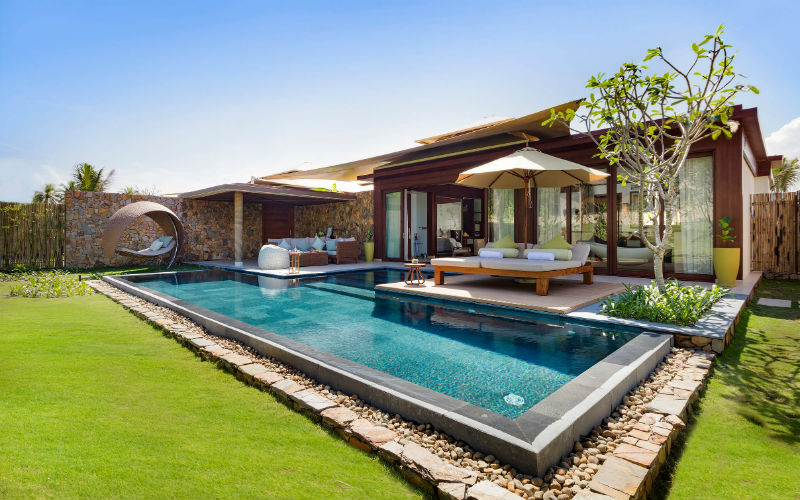 122 airy suites and villas offer ultimate peace and privacy