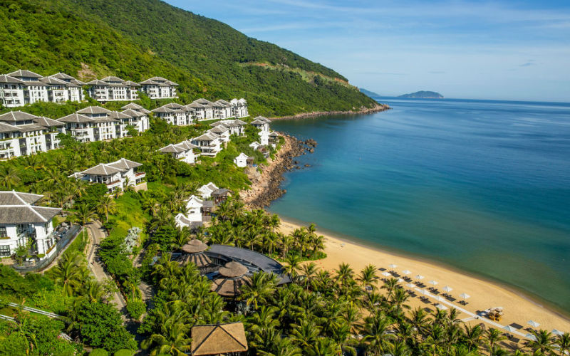 Tucked into a canopy of lush tropical palms, in the heart of Son Tra Nature Reserve, this isone of the best resorts in the world