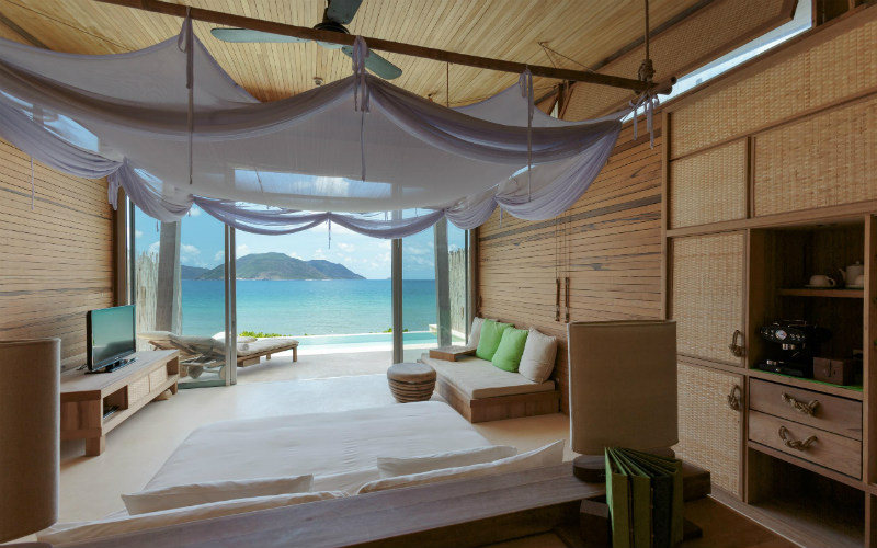 50 dedicate villas are built from teakwood and sustainable materials