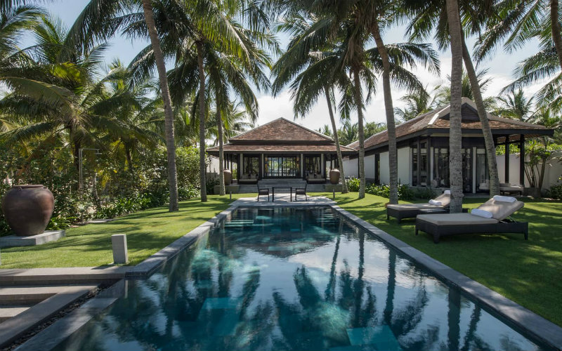 This paradisiacal sanctuary isjust stunning with feng shui design, pagoda-style roofs, soothing colors and textures