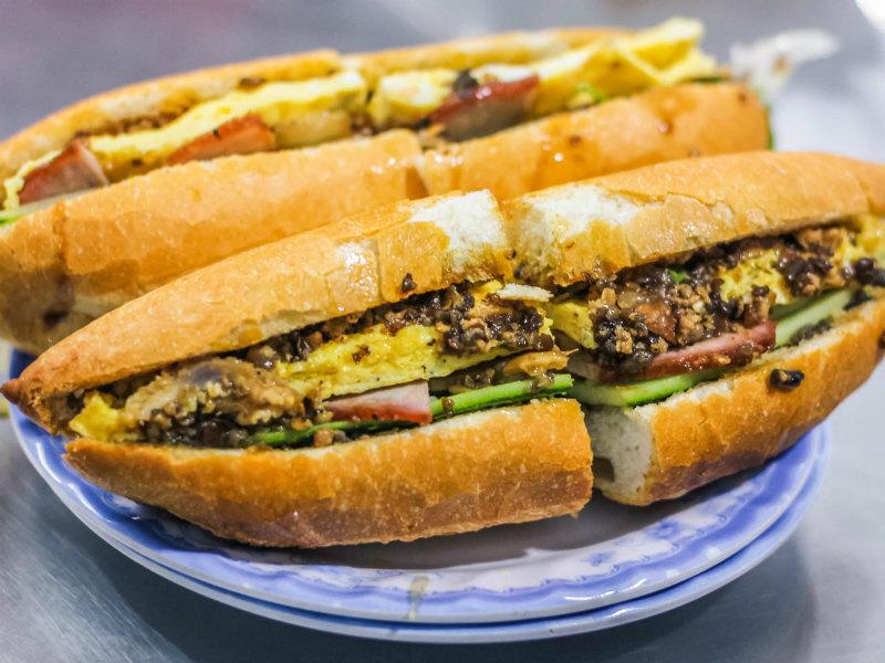 Banh Mi tastes the best in Hoi An